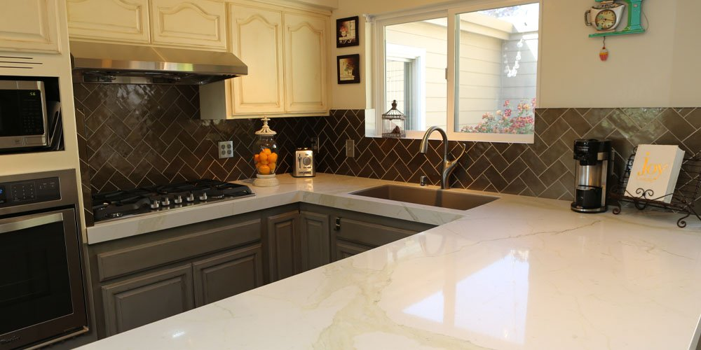 Kitchen remodel done in Santa Rosa by Granite Transformations using marbled countertops