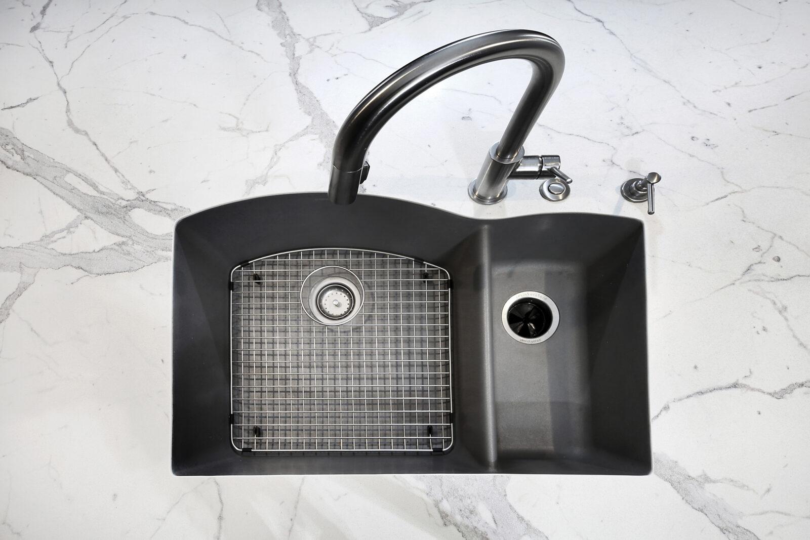 picking kitchen sink for granite countertops