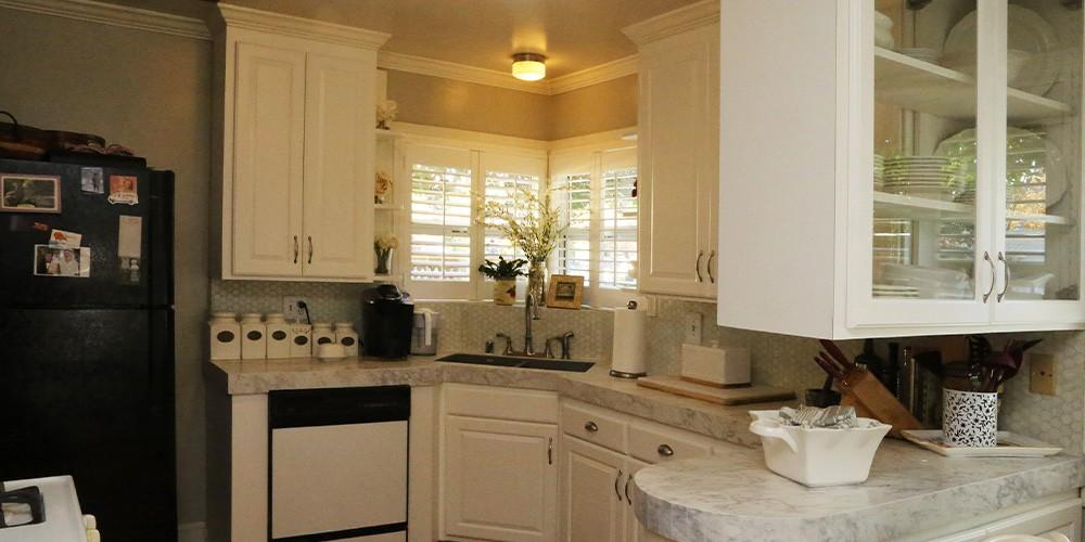 Santa Rosa home before cabinet and countertop remodel