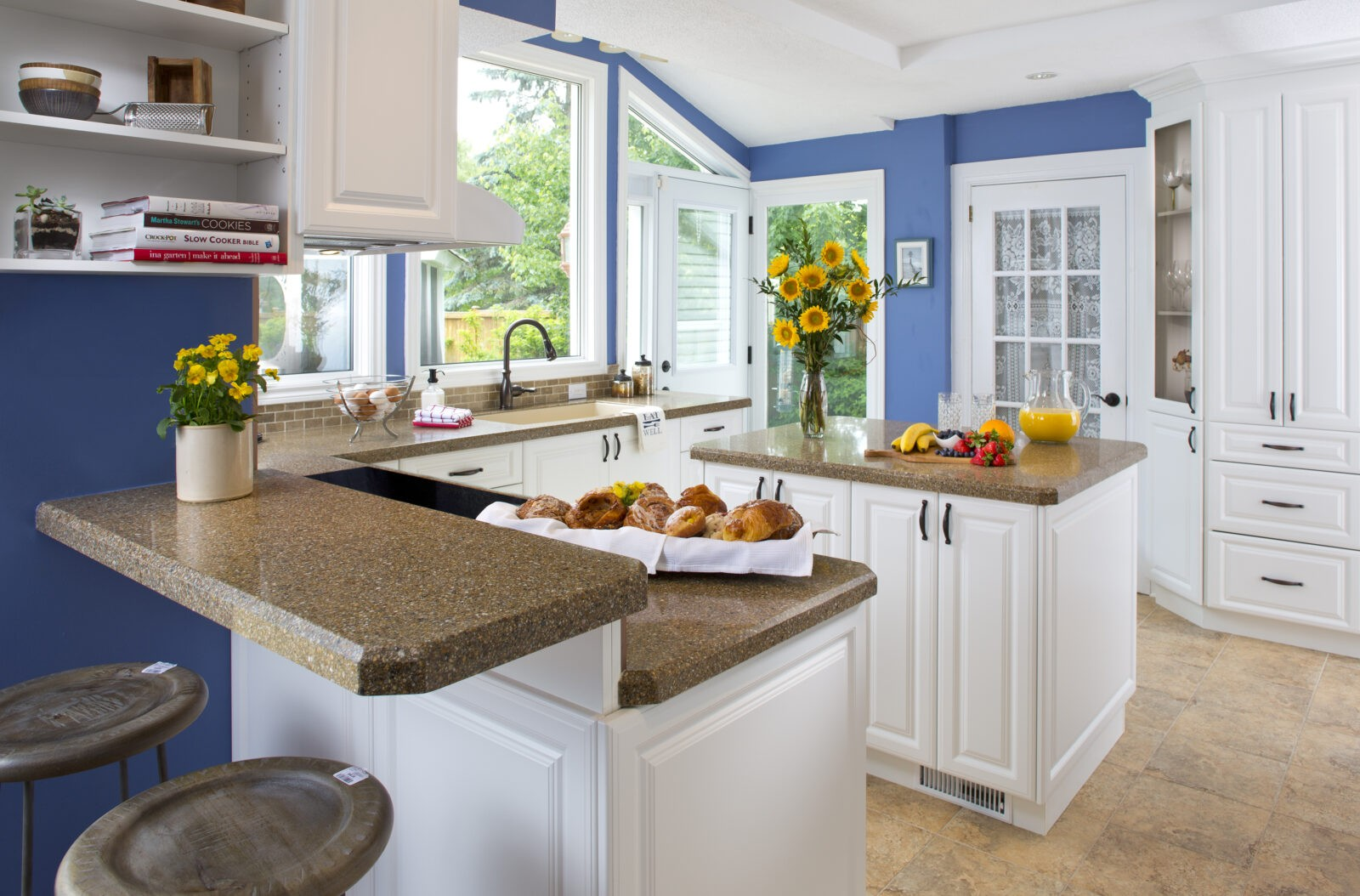 Key Design Elements Of A Farmhouse Kitchen Granite Transformations Blog