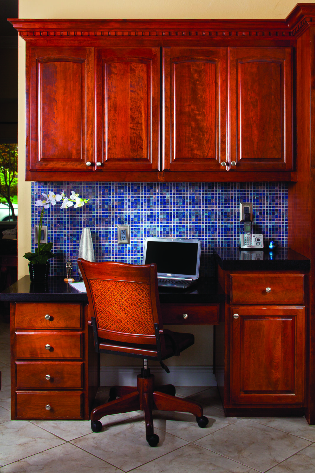 As more people work from home, creating a home office is essential to optimizing the home for resale.