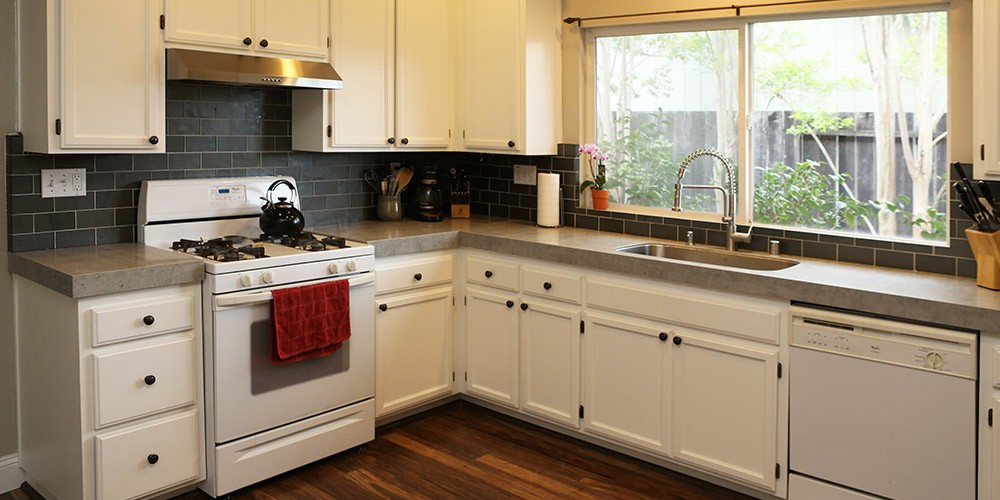 kitchen with quartz overlay countertops