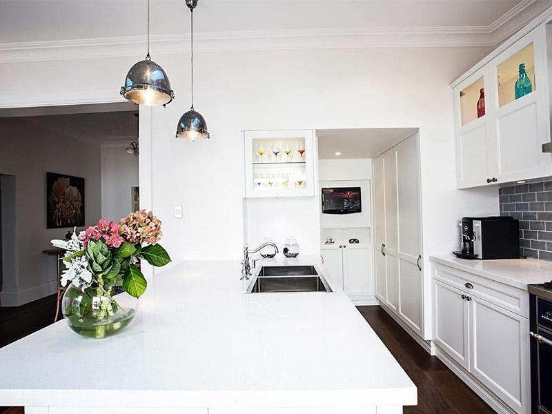 long kitchen counter